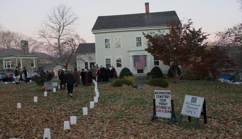 Washington-CT-Cemetery-Tour-Halloween